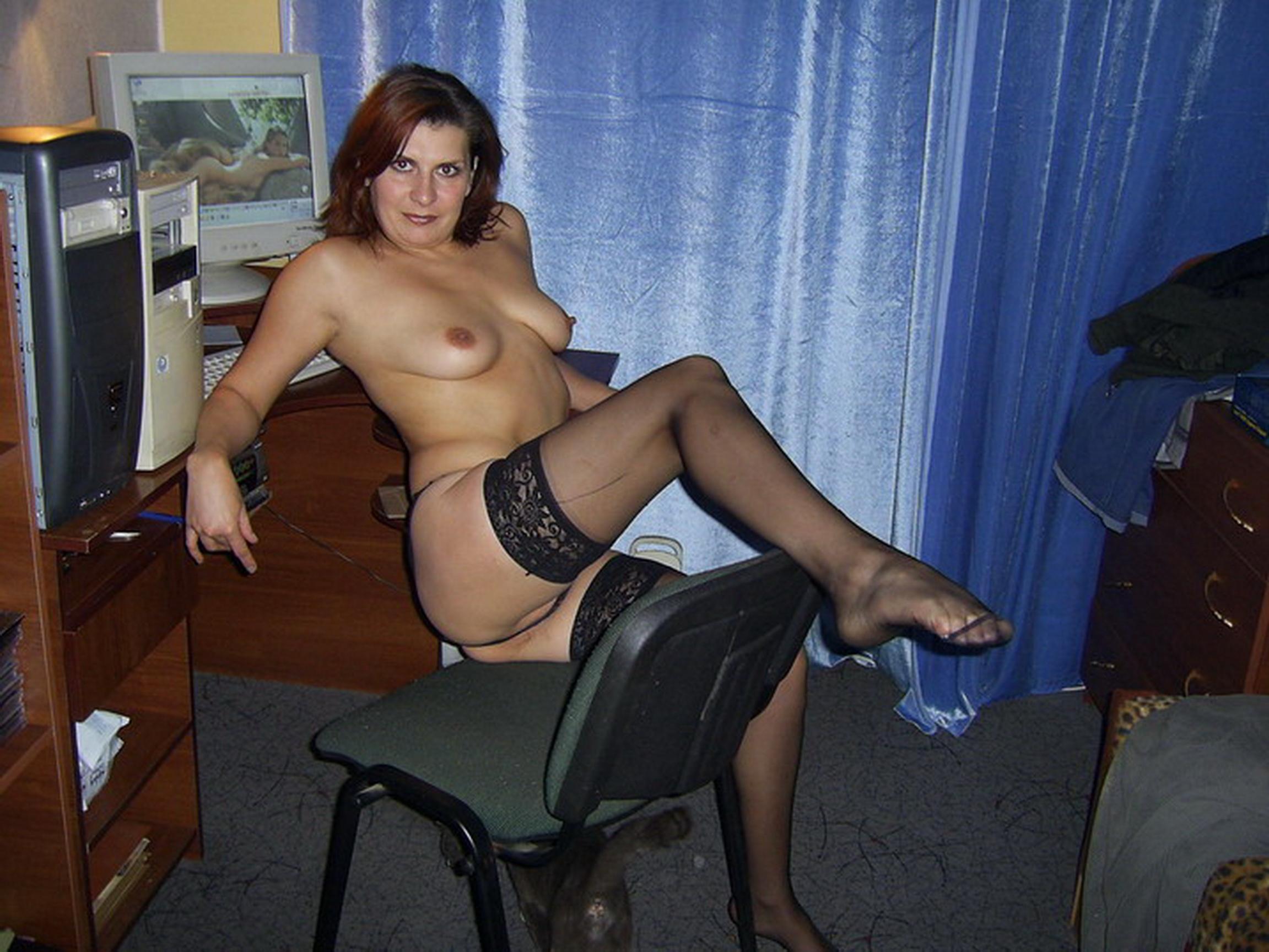 Тетя с натур огромной титей и юнец без смс и регистрации 3 фотография