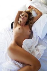 http://img62.imagetwist.com/th/09984/b4nm8aezm83m.jpg