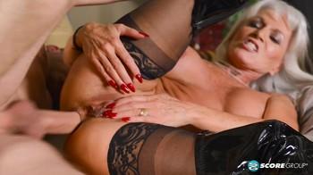 naiselle orgasmi huge boobs
