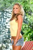 Ashley-Jensen-Glamourous-Is-The-Word-46q26ah3jl.jpg